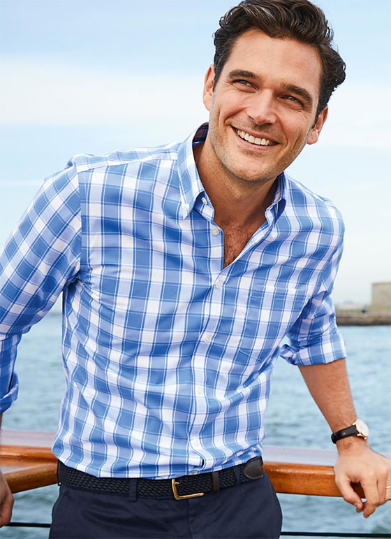 model wearing a poplin casual shirt