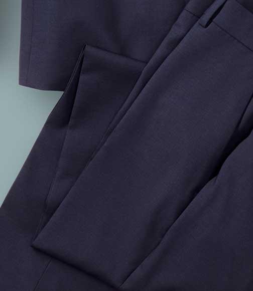 suit detail: stretch